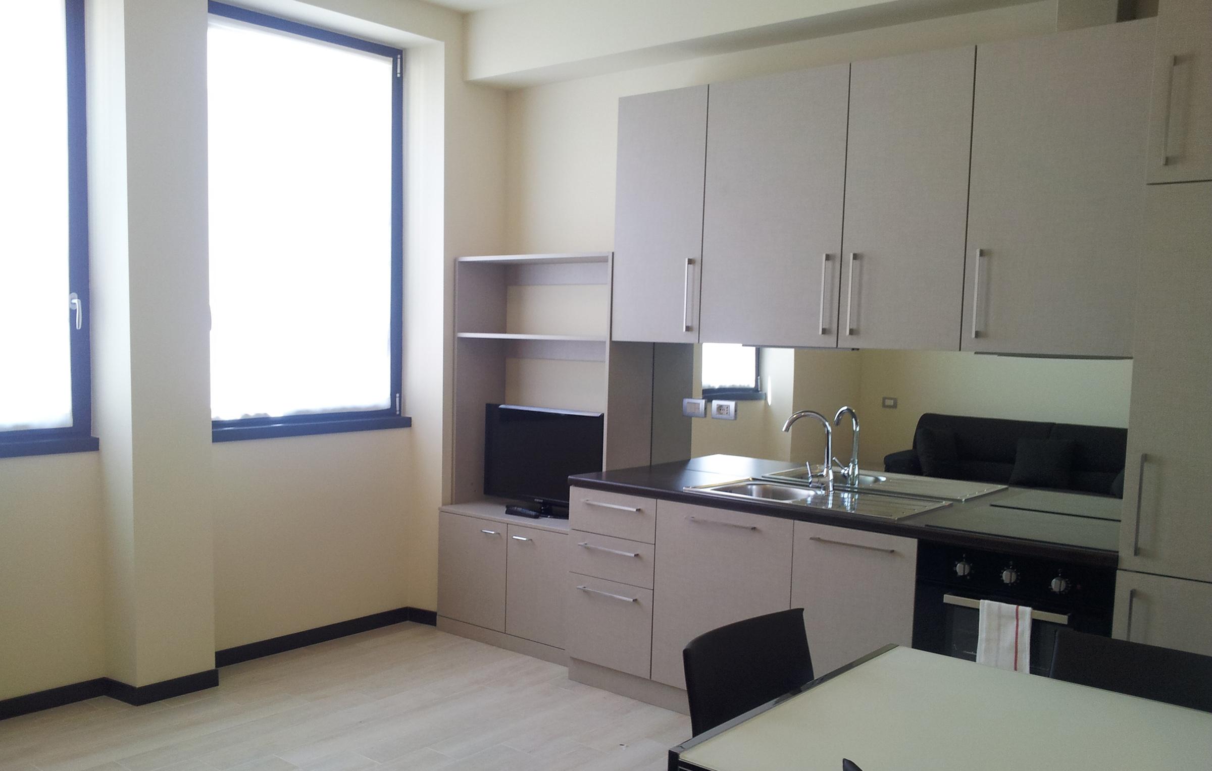 Cucina attrezzata e super accessoriata per appartamenti in affitto a Milano