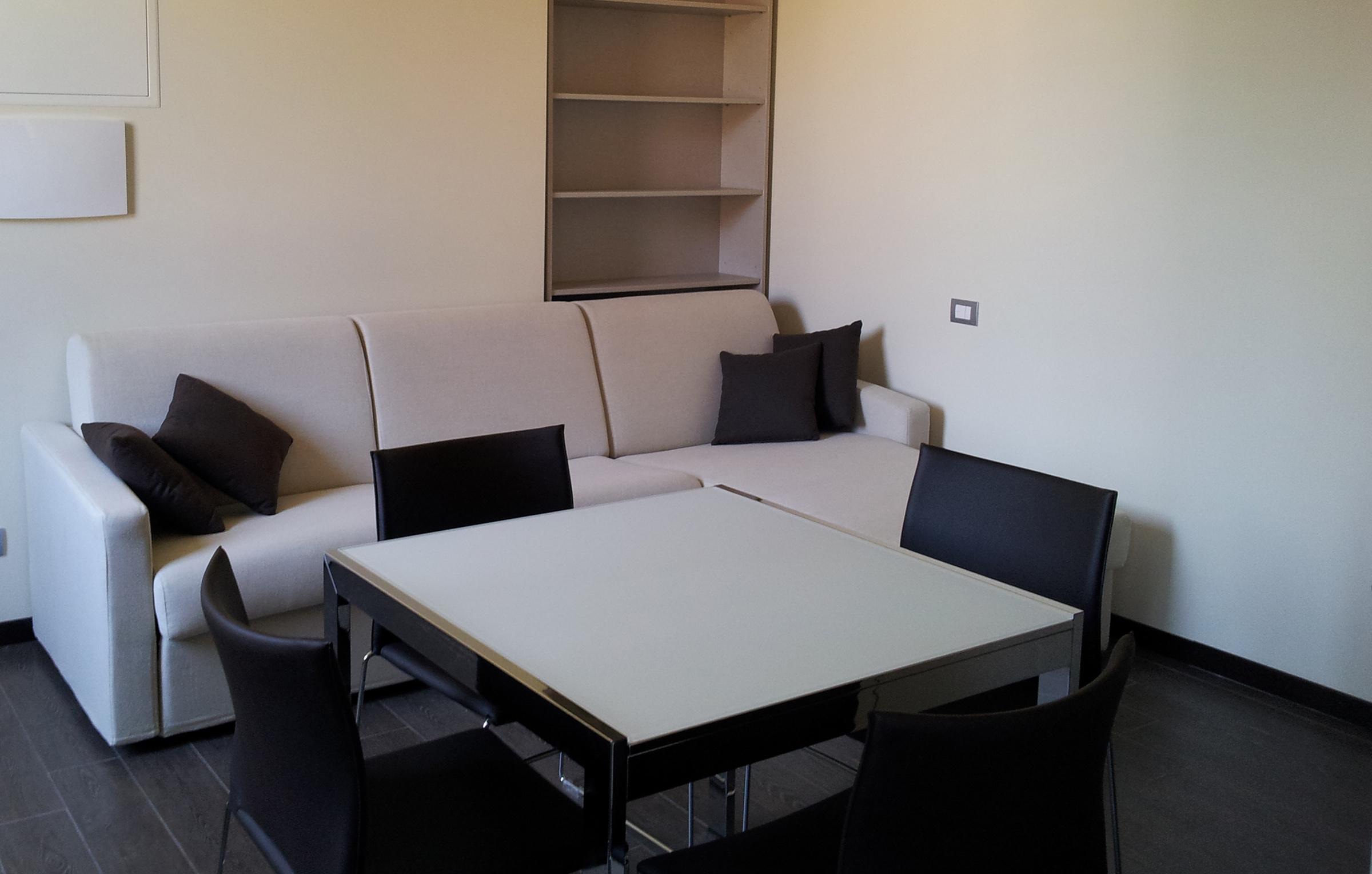 I bilocali di Residenza Porta Volta a Milano accomodano fino a 4 adulti
