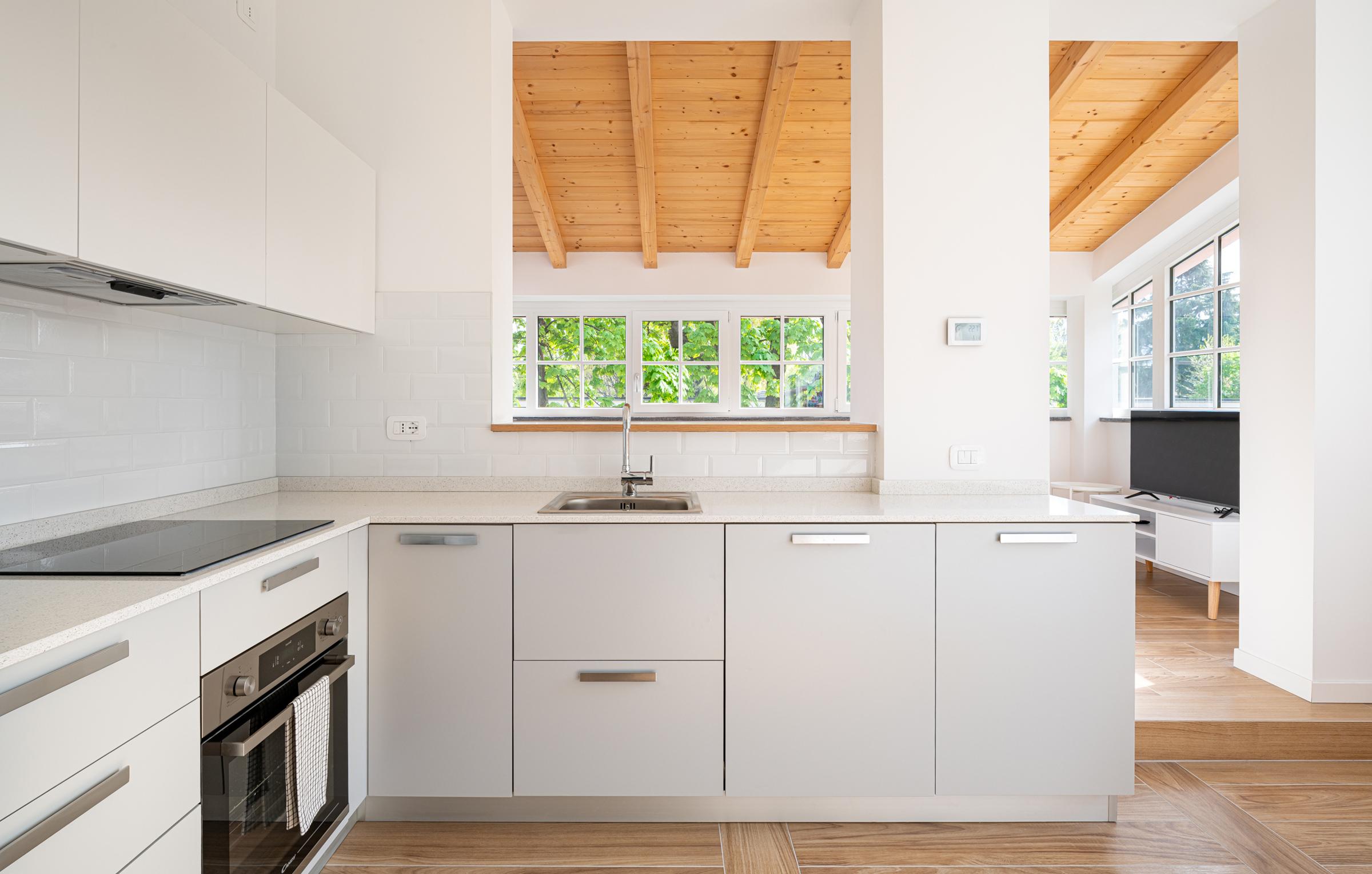 Cucina attrezzata per appartamenti in affitto a Milano